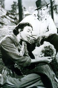 """Η Κατίνα Παξινού  με την ΄Ινγκριντ Μπέργκμαν και τον Γκέρυ Κούπερ σε σκηνή από την ταινία """"Για ποιόν χτυπά η καμπάνα"""""""