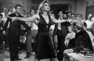 """Σκηνή με την Μελίνα Μερκούρη από την ταινία """"Ποτέ την Κυριακή"""""""